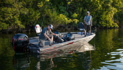 2020 - Lowe Boats - Stinger 198 Dual Console