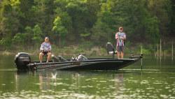 2020 - Lowe Boats - Stinger 198