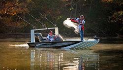 2020 - Lowe Boats - 18 Catfish