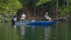 2021 - Lowe Boats - Stinger 195C
