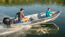 2021 - Lowe Boats - V1460