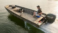 2021 - Lowe Boats - RN 1860