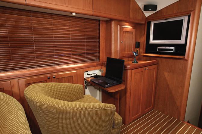l_Luhrs_Boats_41_2007_AI-236536_II-11304465