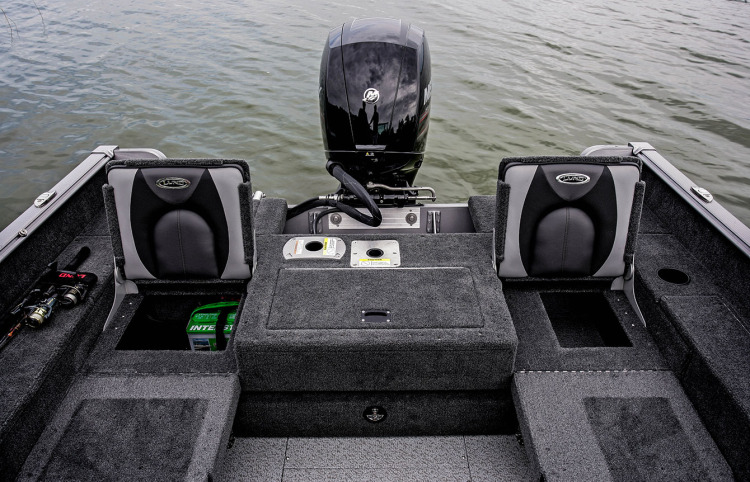 l_boats-impact-features-flip-up-seats-storage5