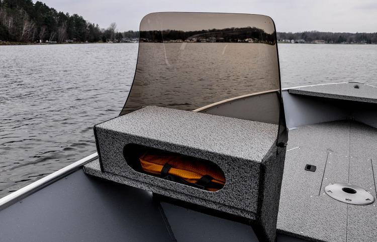 l_boats-ssv-features-port-console