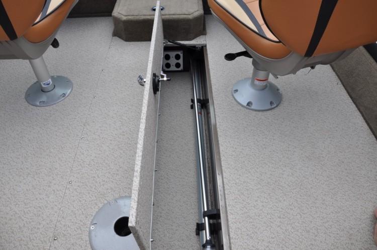 l_2015-1675-crossover-in-floor-storage1-1024x680