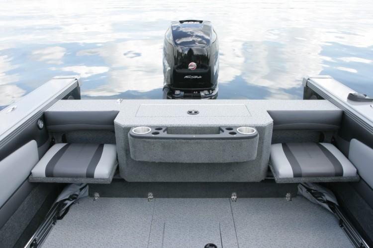 l_2015-tyee-magnum-rear-seats-down-1024x682