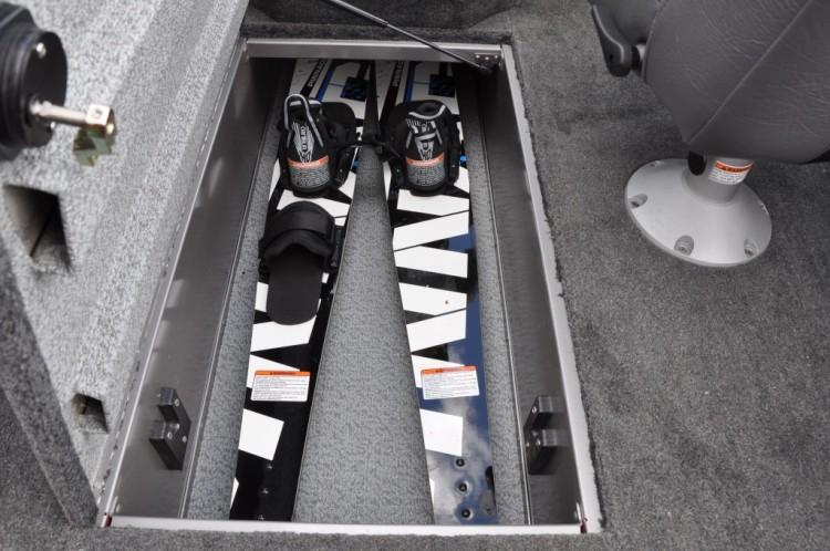l_cockpit-ski-rod-locker-1024x680