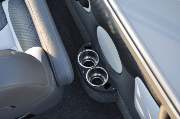 l_drivers-cup-holder-1024x680