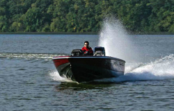 2016 - Lund Boats - 2000 Sport Angler