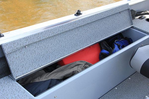 l_alaskan-starboard-rod-storage5