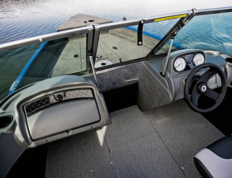 l_boats-fury-xl-1625-features-full-console-cc