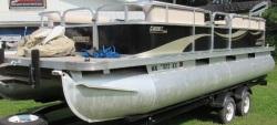 2015 - Lowe Boats