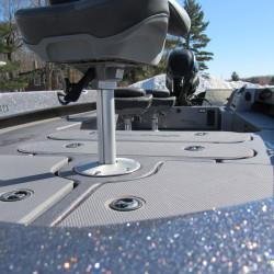 2002 - Triton Boats - 205