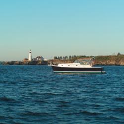 Mainship Trawlers 34 Pilot Rum Runner Classic Cruiser Boat