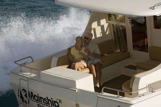 l_Mainship_Pilot_43_Sedan_2007_AI-236765_II-11309076