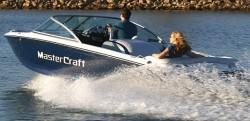 Mastercraft Boats 214 Ski and Wakeboard Boat