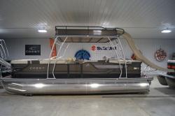 Crest Classic 250 Upper Sun Deck