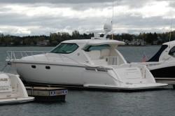 Tiara Yachts 4300 Sovran Motor Yacht Boat