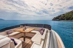 2013 - Mochi Craft Yachts - Dolphin 64-
