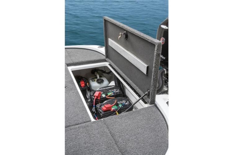 l_batterycompartmentandfuelstoragefornitroz-82014