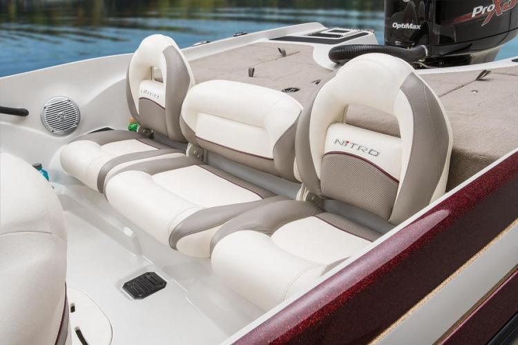 l_newbenchseatsonnitroz-9sportskiboat