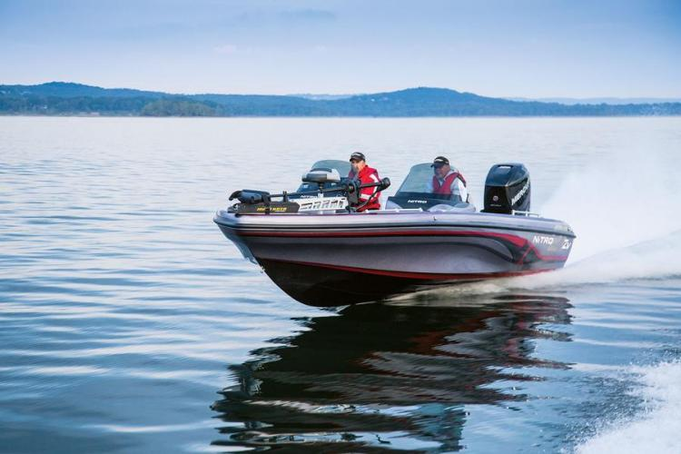 l_nitrozv21bassboatwithminkotatrollingmotor