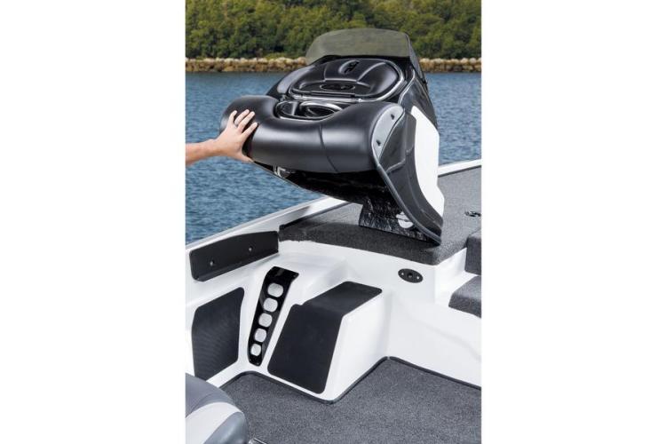 l_removeableconsolefornitroz-82014bassboat