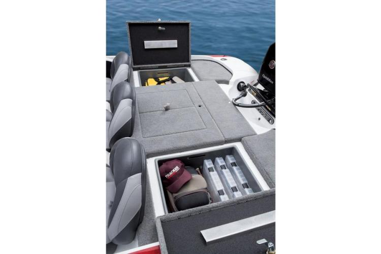 l_storagecompartmentsforbassboat
