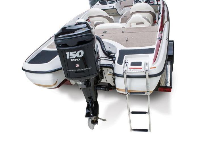 l_z-7-sportnitro2014skiboatmercurymarineengineandrearladder