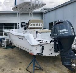 2018 Hurricane Deck Boats (#42722) CC21-OB CENTER CONSOLE (SILVE