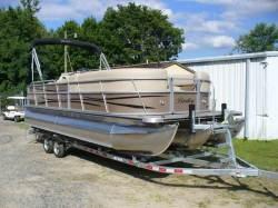 Encore Boat Builders - 243 Cruise