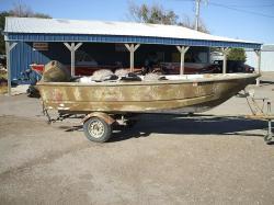 1997 duck fishing boat w/25hp 4 stroke Mercury & trailer