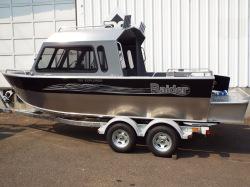 2013 Klamath Boats Windshield 19 GTX