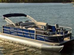 2016 Encore Boat Builders Bentley 203 4-Point