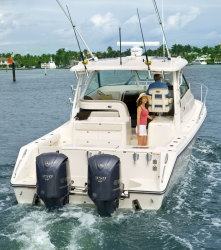 2010 - Pursuit Boats - OS 345 Offshore