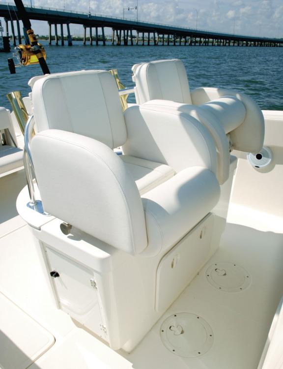 l_c310_seats1