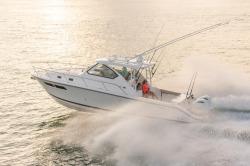 2017 - Pursuit Boats - OS355 Offshore
