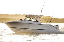 2017 - Pursuit Boats - DC235