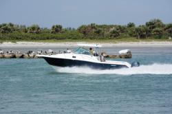 Pursuit Boats OS 305 Walkaround Boat