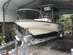 2001 - Boston Whaler Boats - 22 Dauntless