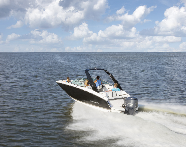 l_22fasdeck_outboard_running_16_0824-2k