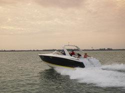 2009 - Regal Boats - 3350 Cuddy