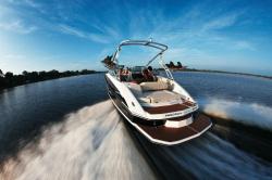 2009 - Regal Boats - 2220 Deck Boat