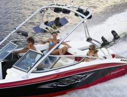 2009 - Regal Boats - 2220 RX Deck Boat