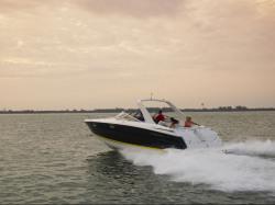 2011 - Regal Boats - 3350 Cuddy