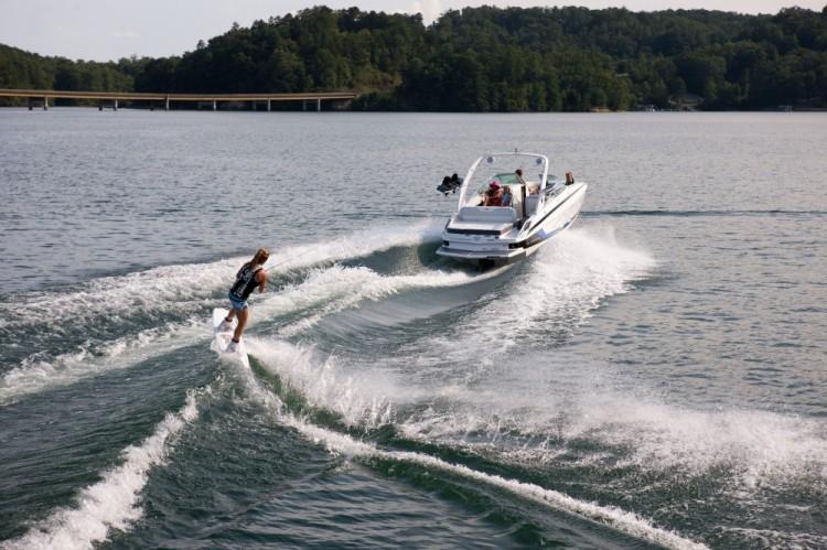 l_27fasdeck_lifestyle_wakeboard_13_0144-1000x666