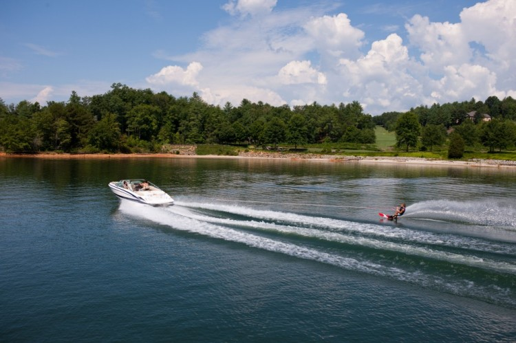 l_2100_lifestyle_wakeboard_13_07711-1000x666