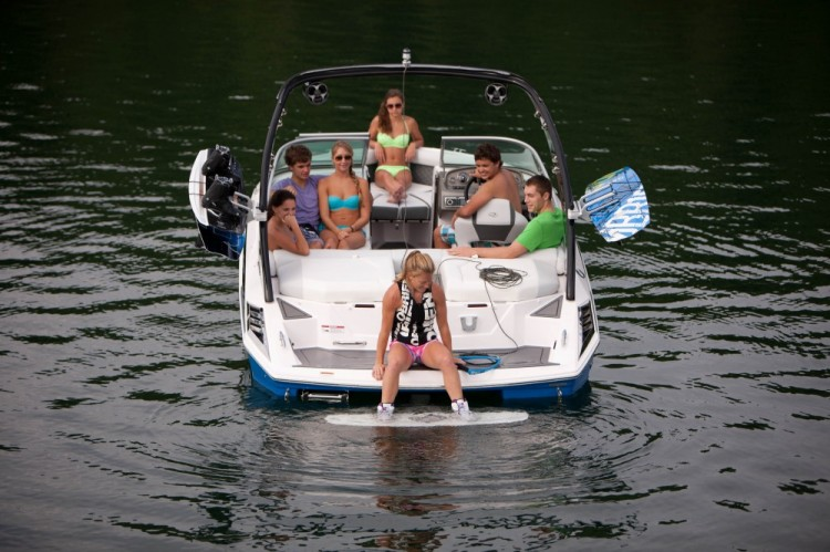 l_2100rx_lifestyle_wakeboard_13_0004-1000x666