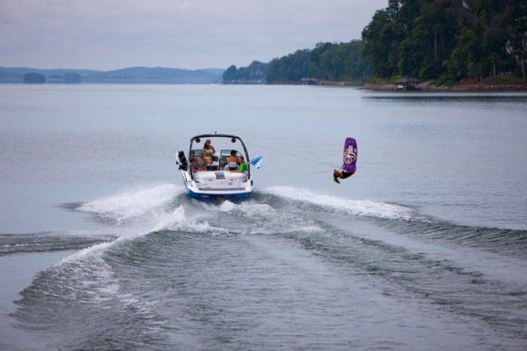 l_2100rx_lifestyle_wakeboard_13_0041-1000x666